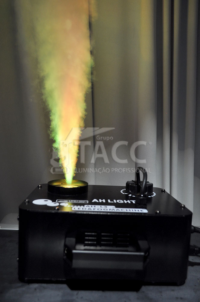 MAQUINA FUMACA 700W RGB